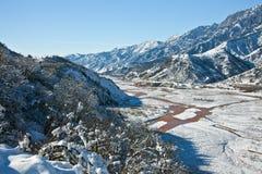 在以后狼吞虎咽Sarihosor和Surkhob河降雪 库存图片