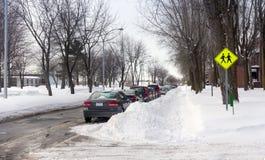 在以后的街道降雪 免版税库存图片
