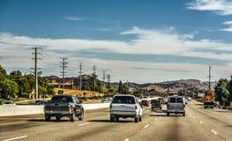 在101向北的高速公路的交通 库存图片