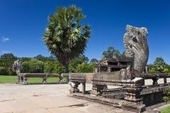 在吴哥窟寺庙的楼梯栏杆 库存图片