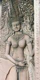 在吴哥窟门的跳舞Apsara  图库摄影