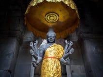 在吴哥窟,柬埔寨的Vishnu雕象 库存照片