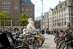 在水坝正方形的狮子在阿姆斯特丹 库存图片