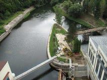 在水坝的水力发电站在狂放的自然在捷克,摩拉维亚,欧洲 图库摄影