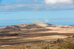 在费埃特文图拉岛的美丽的火山的山 加那利群岛tenerife 费埃特文图拉岛 库存图片