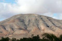 在费埃特文图拉岛的美丽的火山的山 加那利群岛tenerife 费埃特文图拉岛 库存照片