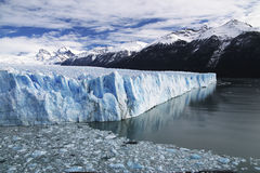 在巴塔哥尼亚的佩里托莫雷诺冰川, Los Glaciares国家公园,阿根廷 免版税库存照片
