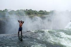 在维多利亚瀑布的恶魔的水池 免版税库存照片