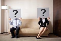 在年轻夫妇的问题 免版税库存照片