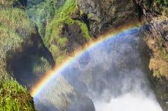 在默奇森Falls顶部,尼罗通过在岩石的一个空白冲出去  落murchison 库存照片
