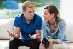在年轻婚姻的财政问题 免版税库存图片