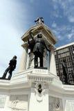 在1879年对伊基克海军作战的英雄的纪念碑在广场Sotomayor 免版税库存图片