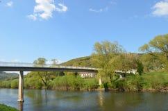 在绍尔河的桥梁 免版税库存图片