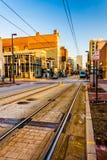 在巴尔的摩,马里兰训练沿Paca街的轨道 免版税库存照片