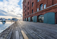 在巴尔的摩, Maryla击倒点Hendersons码头水前面  免版税库存照片