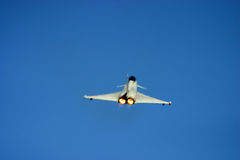 在费尔福德皇家空军基地空气纹身花刺的台风战斗机 库存图片
