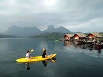 在素叻他尼,泰国的皮船 库存图片