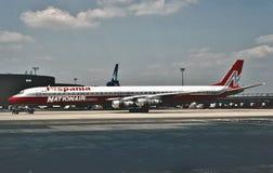 在1988年国家加航道格拉斯DC-8-61 图库摄影