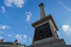 在2017年11月18日的伦敦采取的特拉法加广场的历史的纪念碑 免版税库存照片
