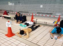 在2018年Freediving泛太平洋冠军的呼吸暂停准备 免版税库存图片