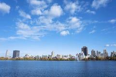 在水库的秋天下午在中央公园 库存图片