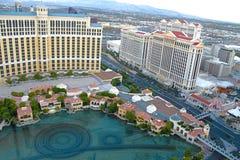 在贝拉焦旅馆和赌博娱乐场的喷泉展示前 免版税库存照片