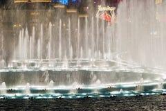 在贝拉焦旅馆&赌博娱乐场的音乐喷泉 库存照片