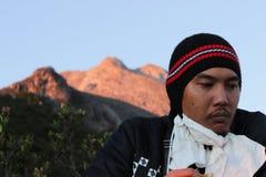 在默拉皮火山的Sunrice在中爪哇省 免版税库存照片