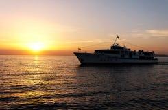 在巴拉顿湖的客船 图库摄影