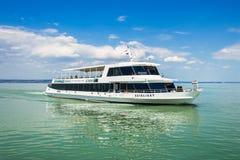 在巴拉顿湖的船 免版税库存图片