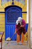 在索维拉麦地那清洗的妇女 库存图片