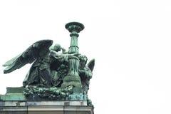 在以撒大教堂,圣彼得堡屋顶的天使  免版税图库摄影