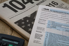 在2016年收税准备形式和税表 库存图片