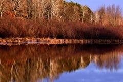 在彻斯特小河,威斯康辛的轻快冬天日落 免版税图库摄影
