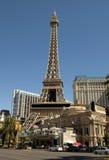 在巴黎旅馆和赌博娱乐场的艾菲尔铁塔复制品在拉斯维加斯 库存照片