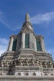 在黎明寺Ratchawararam的Stupa 免版税库存照片