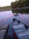 在黎明独木舟 免版税图库摄影