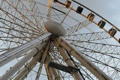 在黄昏大转动的地标的曼彻斯特轮子 图库摄影