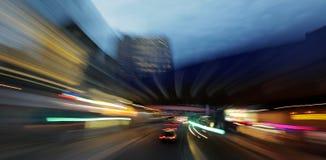 在黄昏的伦敦街道 免版税库存照片