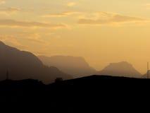 在黄昏的山 库存图片