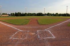 在黄昏的棒球场 免版税图库摄影