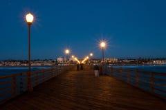 在黄昏的海洋码头 库存照片