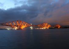 在黄昏的路轨桥梁 图库摄影
