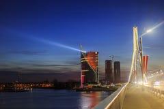 在黄昏的都市风景从桥梁 免版税库存图片