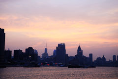 在黄昏的障壁,上海 免版税库存图片