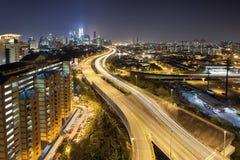在黄昏的Ampang吉隆坡高的高速公路城市地平线 免版税库存图片