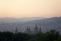 在黄昏的Barselona。宫殿Nationale。 库存图片