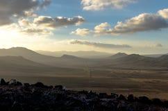 在黄昏的Fuertaventura山 库存照片