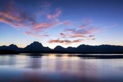 在黄昏的Teton范围 免版税库存照片