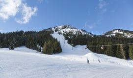 在水晶山滑雪胜地的冬天活动 免版税库存图片